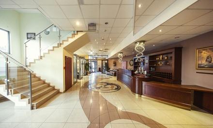 Kraków: 2-4 dni dla 2 osób w pokoju standard lub dla 4 osób w apartamencie ze śniadaniami w Hotelu Conrad 4*