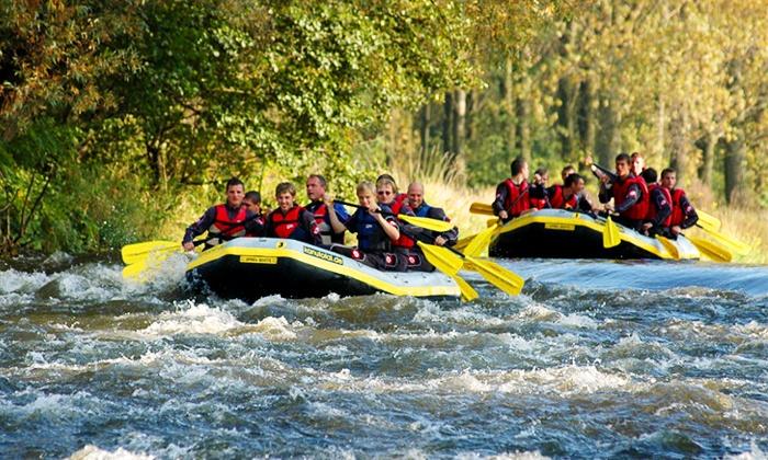 Kanutotal - Mehrere Standorte: 2 Std. Rur-Rafting für 2, 4 oder 10 Personen mit Kanutotal (bis zu 52% sparen*)