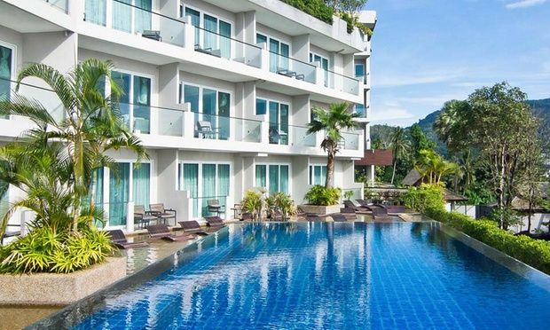 Phuket: 4* Beach Resort + Flights 3