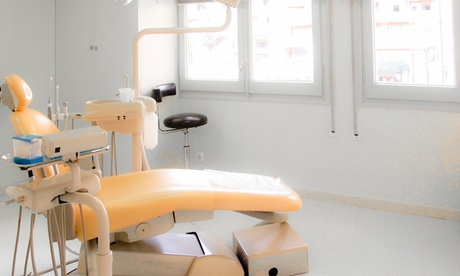 Higiene dental con opción a diagnóstico y curetaje desde 9,90 € en Clinica Dr. Gener Vidal