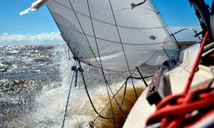 Full Sail Argentina: Travesía en velero por el Río de la Plata de día o atardecer para uno o dos en Full Sail Argentina.