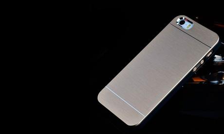 Carcasa de aluminio cepillado para iPhone 5s o 6 desde 4,99 €