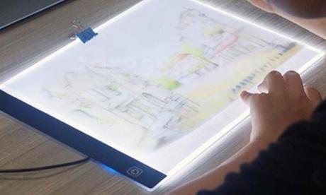 Pantalla LED para calcar con posibilidad de elegir 3 niveles de ajuste o sin ajuste