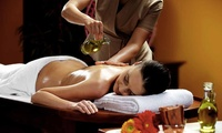 1x oder 3x 60 Min. Ayurvedische-Ganzkörper-Massage + Kräuterölen + Getränk im Physio Center Berlin (bis zu 57% sparen*)