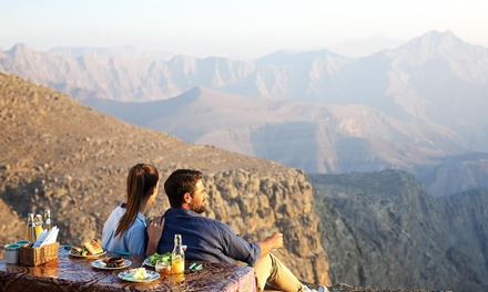 Ras al Khaimah: 1 Night for Up to Four with Breakfast, Lunch Box and Jebel Jais Trip at Royal View Hotel