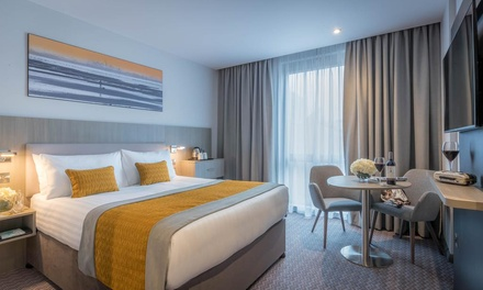 groupon.co.uk - Belfast: Deluxe Room for Two with Breakfast and Option for Two-Course Dinner at 4* Maldron Hotel Belfast