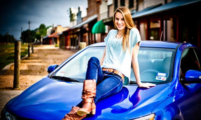 Wendy Larsen Photography - Pearland: $79 for a One-Hour Senior or Engagement Portrait Session and Prints from Wendy Larsen Photography in Pearland ($305 Value)