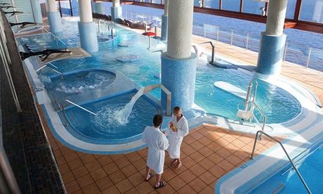Acceso al circuito spa de 2 horas con sauna con opción a masaje y bufé para 2 personas desde 34,95 € en Thalasso Gloria