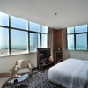 Abu Dhabi: Romantic 4* Stay with Breakfast and Dinner