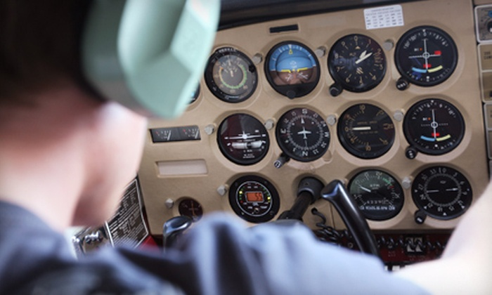 MacAir Aviation Services - Beavercreek: $49 for a Flight-Simulation Package with Instruction at MacAir Aviation Services ($111.50 Value)