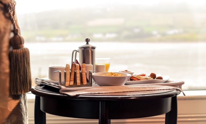 Donegal: Stay for Two with Breakfast & Prosecco; Optional AA-Rosette Dinner at Arnolds Hotel