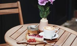SOUL - vegan coffee bar: Täglich wechselnder veganer Kuchen und veganes Heißgetränk nach Wahl bei SOUL - Vegan Coffee Bar (bis zu 51% sparen*)