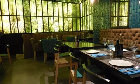 Menú para 2 o 4 con entrante, principal, postre y bebida o botella de vino desde 34,95 € en Restaurante Valentino's Oferta en Groupon
