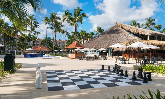 4, 6, or 7 Night All-Inclusive Occidental Caribe Trip with Nonstop