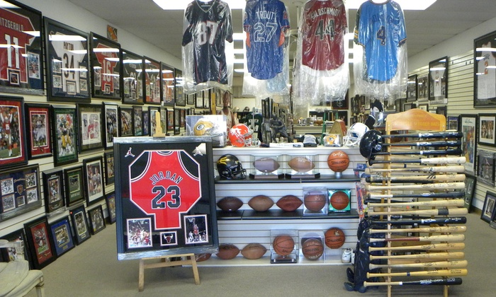 Hall of Fame Collectables - Mesa: Up to 58% Off $100 Worth of Merchandise at Hall of Fame Collectables