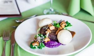 Restauracja Powozownia: Wykwintna śródziemnomorska uczta dla 2, 3 lub 4 osób od 89,99 zł w Restauracji Powozownia (do -41%)