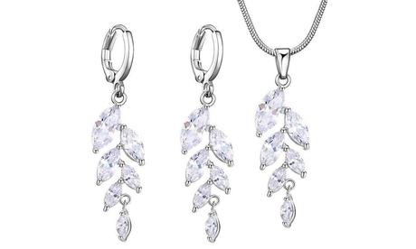 Collar y pendientes decorados con cristales Van Amstel