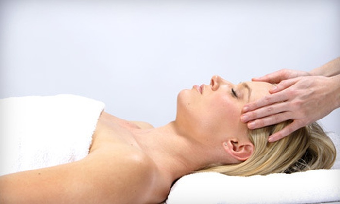 Chicago Institute of Natural Health - The Loop: Deep-Tissue Massage or Nutritional Consultation at Chicago Institute of Natural Health (Up to 80% Off)