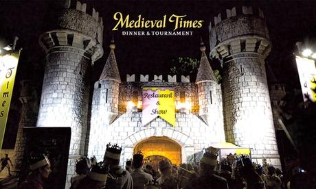 Medieval Times – Cena completa con bevande illimitate e 2 ore di spettacolo medievale dal vivo (sconto fino a 32%)