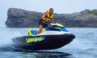 Excursión de 1 hora para 1 o 2 con opción a wakeboard o para hasta 8 con fotos desde 64,90 € en Aqua Moto Gijón