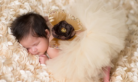 $39 for In-Studio or Onsite Photo Shoot with Online Gallery and $100 Print Credit from Supanik Photography ($350 Value)