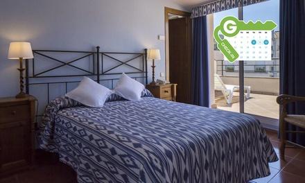 Tossa de Mar: estancia para 2 personas con media pensión y entrada a casino en LLoret de Mar en URH Hotel Tossa de Mar
