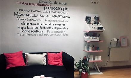 Sesión de manicura y/o pedicura con esmaltado normal o permanente desde 12,90 € en Rebeca Monroy