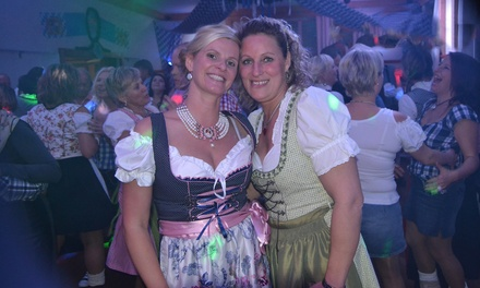 """2x """"Special Ticket 1"""" für die Oktoberfest-Party inkl. Haxe und Bier am Sa., den 07.10.2017 in Berlin (31% sparen)"""
