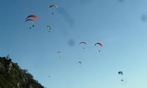 Skytrekking: 15-minutowy lot motoparalotnią z instruktorem dla 1 osoby za 169,99 zł i więcej opcji z firmą Skytrekking