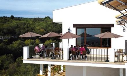 Córdoba: 2 o 3 noches para 2 a 6 con desayuno, piscina, actividades diarias y opción a media pensión en Cañada Verde
