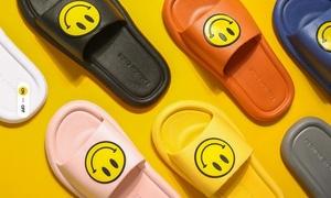 Paire de sandales plates design