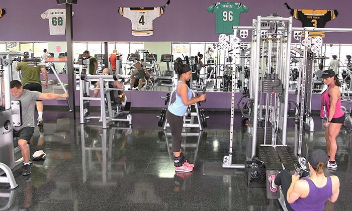Yaks Fitness - Las Vegas: 10-Visit Punchcard or One Month of Unlimited Gym Admission at Yaks Fitness(Up to 68% Off)