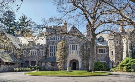 Option 1: Gatsby Room, Valid SundayThursday - The Castle at Skylands Manor in Ringwood