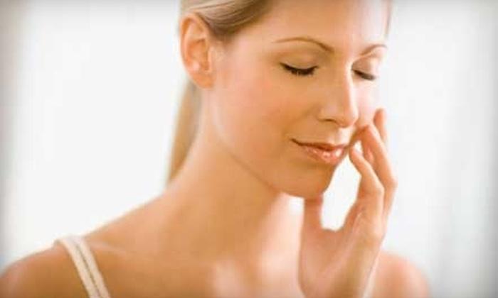 Casa Blanca Salon & Spa - Fairbanks Ranch: $89 for 50-Minute Signature Facial and a 40-Minute Shirodhara Massage at Casa Blanca Salon & Spa ($200 Value)