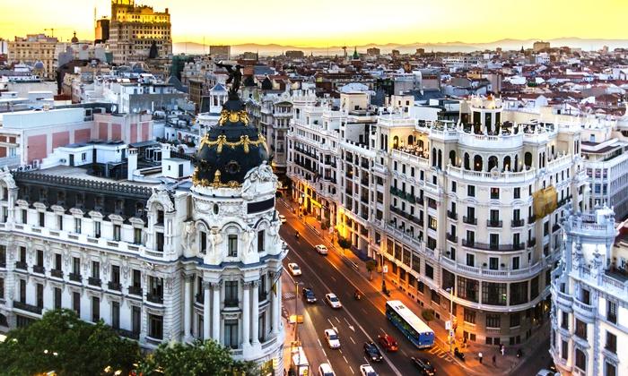 HelpMadrid School - Madrid: Corso di spagnolo di una o 2 settimane all'HelpMadrid School e soggiorno in appartamento da 199 € a persona