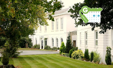 Hertfordshire: Standard Double/Twin Room for Two with Breakfast, Dinner and Health Club Access at Manor Of Groves