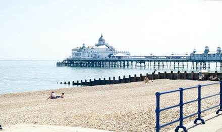 Eastbourne: Room for Two or Four with Breakfast, Early Checkin and Late CheckOut at The Shore View Hotel