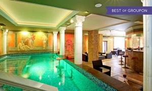 Termy Rzymskie: Baseny, sauny, łaźnie, siłownia: relaks dla 2 os. za 99,99 zł i więcej w Termach Rzymskich w Pałacu Saturna (do -39%)