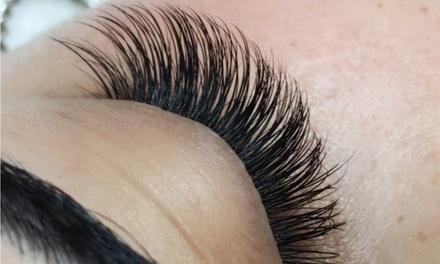 Extensión de pestañas pelo a pelo y opción a diseño de cejas desde 24,95 € en Crystal Nails