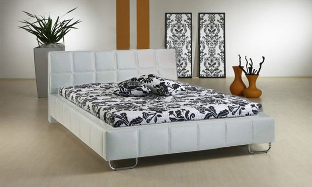 cadres de lit en cuir groupon. Black Bedroom Furniture Sets. Home Design Ideas