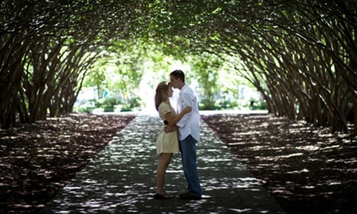 La Piqure Studios - North Richland Hills: $79 for an On-Location Photography Package from La Piqure Studios ($325 Value)