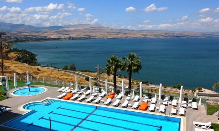 מלון גולן טבריה: מקדימים להזמין חופשת פסח בטבריה: לילה במלון גולן מול נופי הכנרת, על בסיס חצי פנסיון, רק ב-1,190 ₪ לזוג!