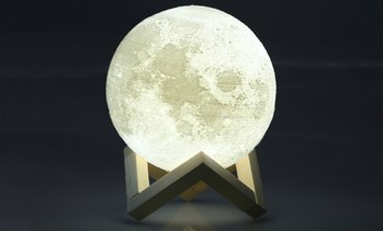 LED-Lampe in Form von Mond