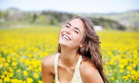 Limpieza bucal con ultrasonidos y opción a blanqueamiento led desde 9,90 € en Clínica Dental Dra. Amparo Castañer