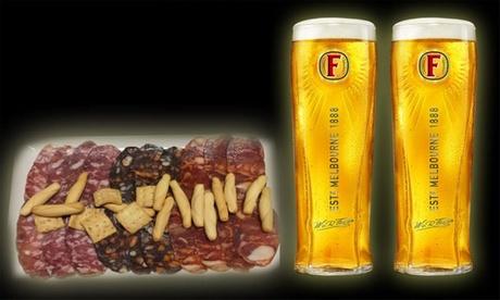 Degustación de 2 pintas de cervezas de 56.8cl para dos personas con surtido de ibéricos de Guijuelo por 9€ Clover Tavern