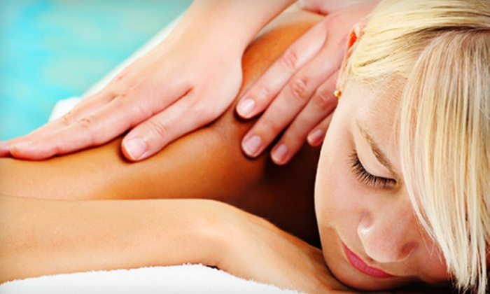 N2Health - La Quinta: $35 for One-Hour Custom Massage at N2Health in La Quinta ($80 Value)
