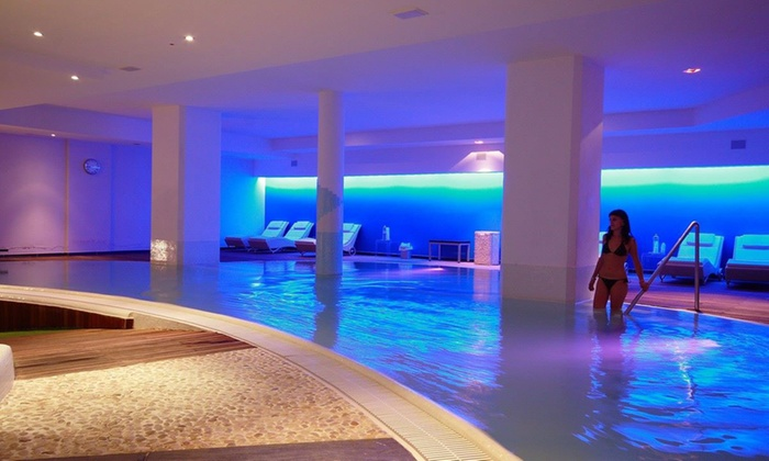 Ingresso spa per 2 e camera in day use centro benessere four roses groupon - Spa con piscina in camera ...