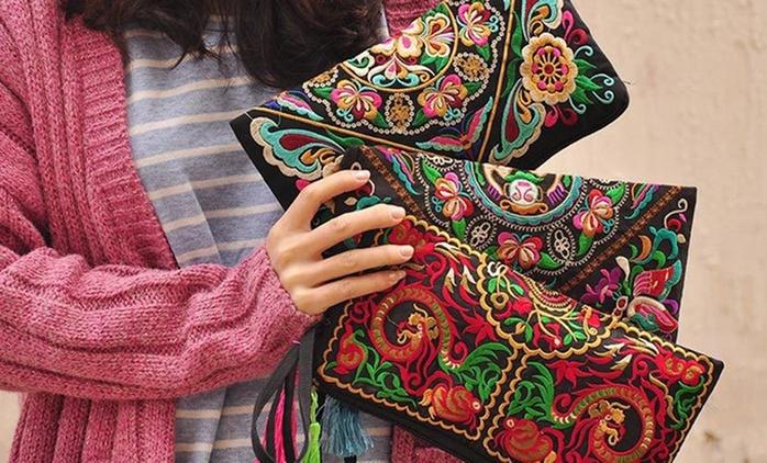 Bestickte Clutch-Handtasche im Modell nach Wahl (bis zu 82% sparen*)