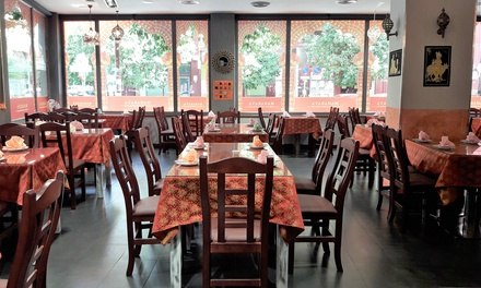 Menú para 2 o 4 con entrante, principal, postre y bebida en Maharaya Indian Restaurant (hasta 62% de descuento)