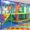 3 o 5 accesos al parque infantil